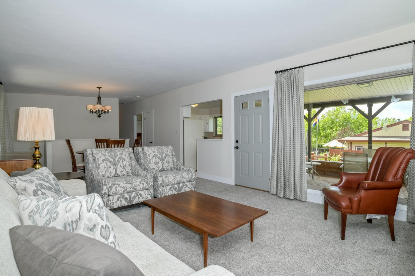 Fresh Paint, Carpet, Drapes, Lighting & More!