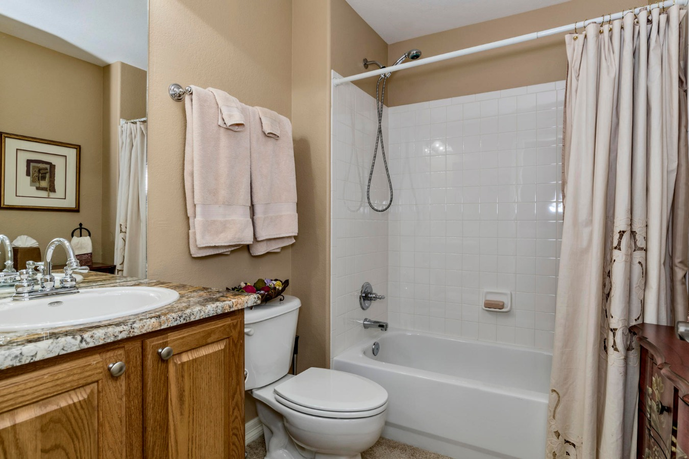 Full Private Bath in Loft