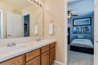 Jack & Jill Bath Between Bedrooms 3 &4