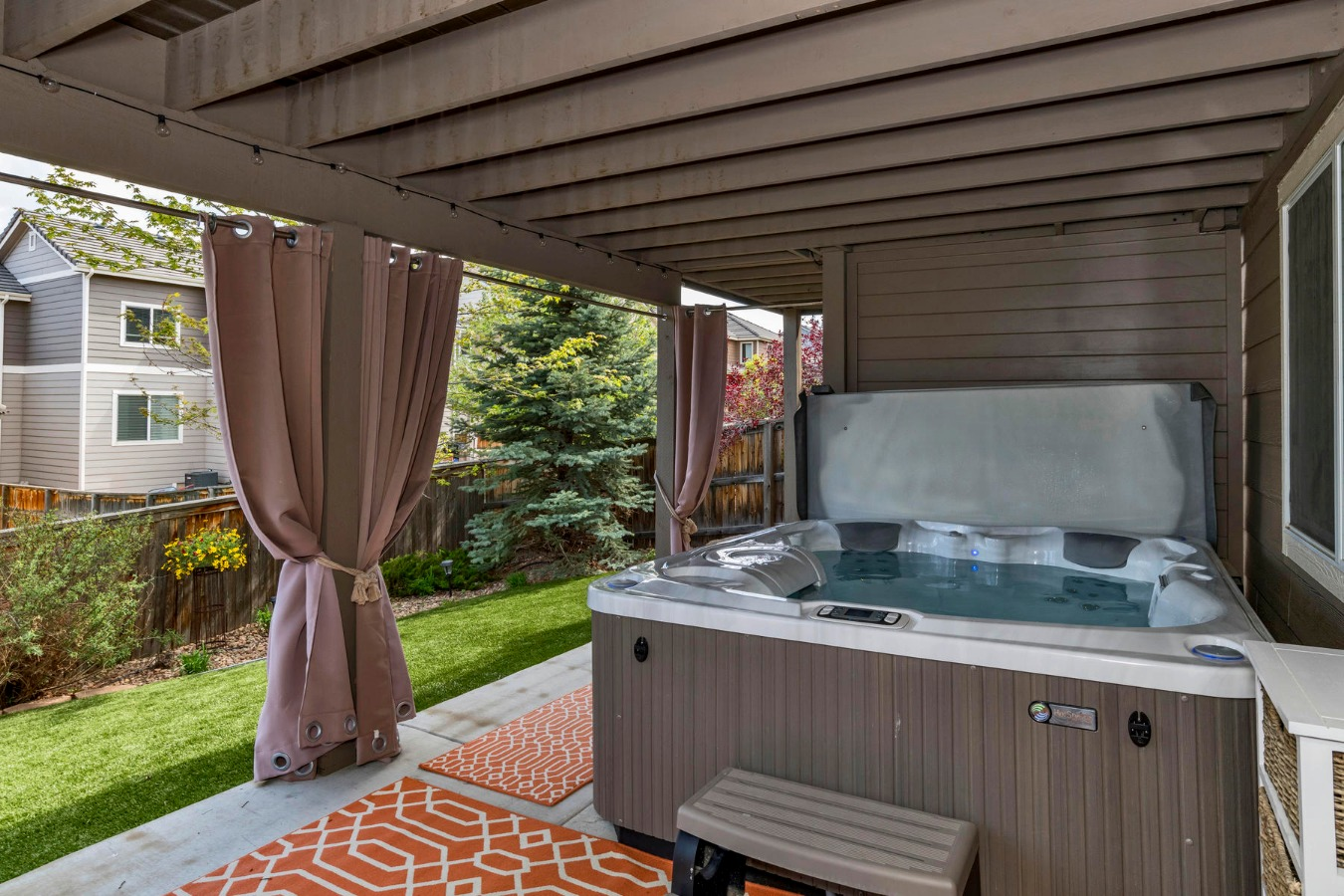 Like New Sundance Hot Tub for Extra Fun or Therapy