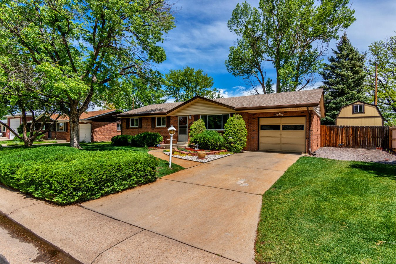 Lovingly Maintained Brick Ranch in Lakewood