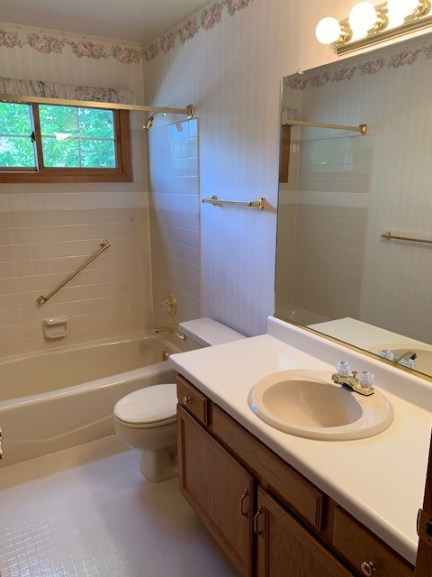 Hall Bath Next to 2nd Bedroom on Main