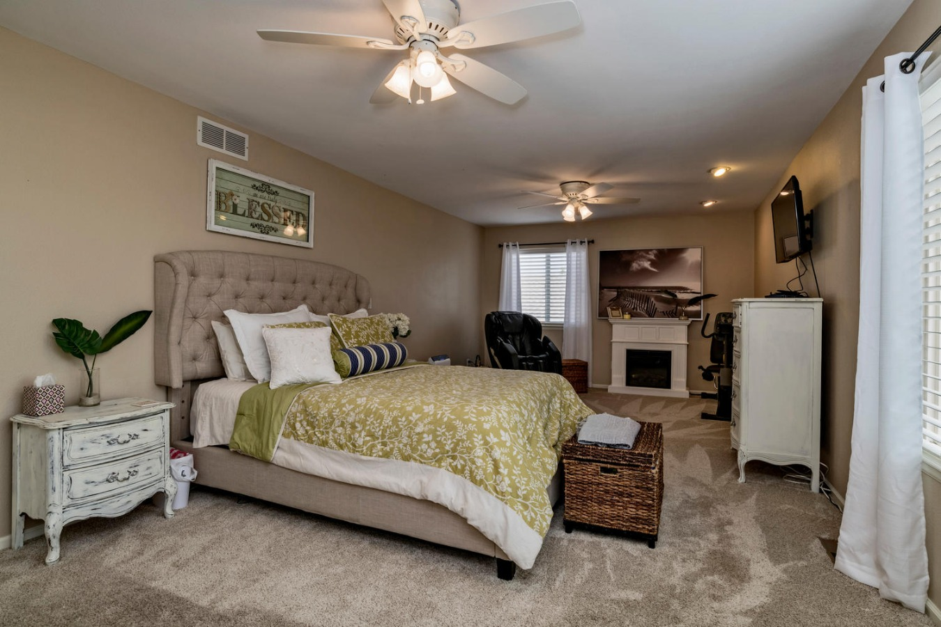 Room for Quiet Retreat Space in Master