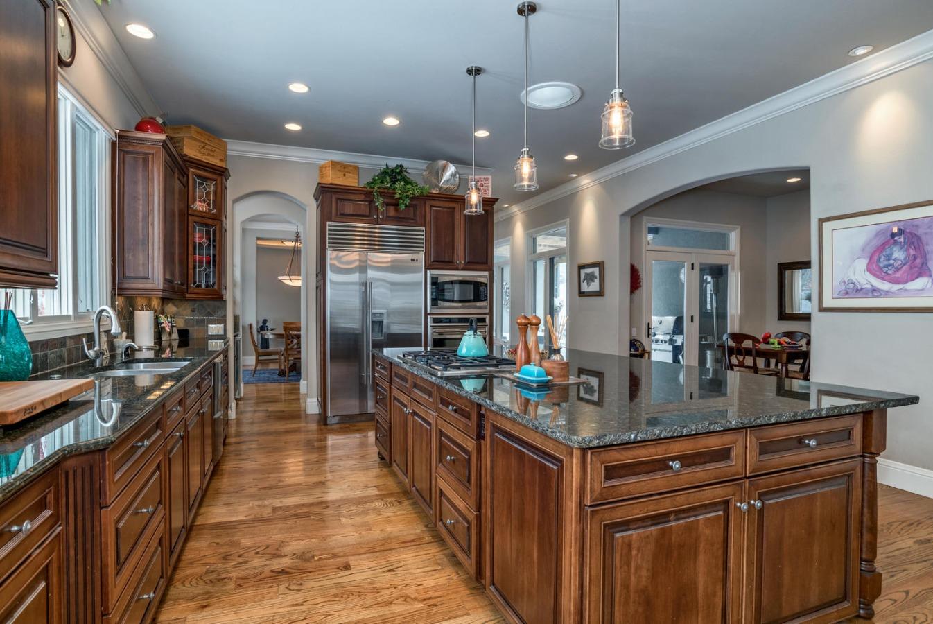 Slab Granite Kitchen Island Measures 9 x 5