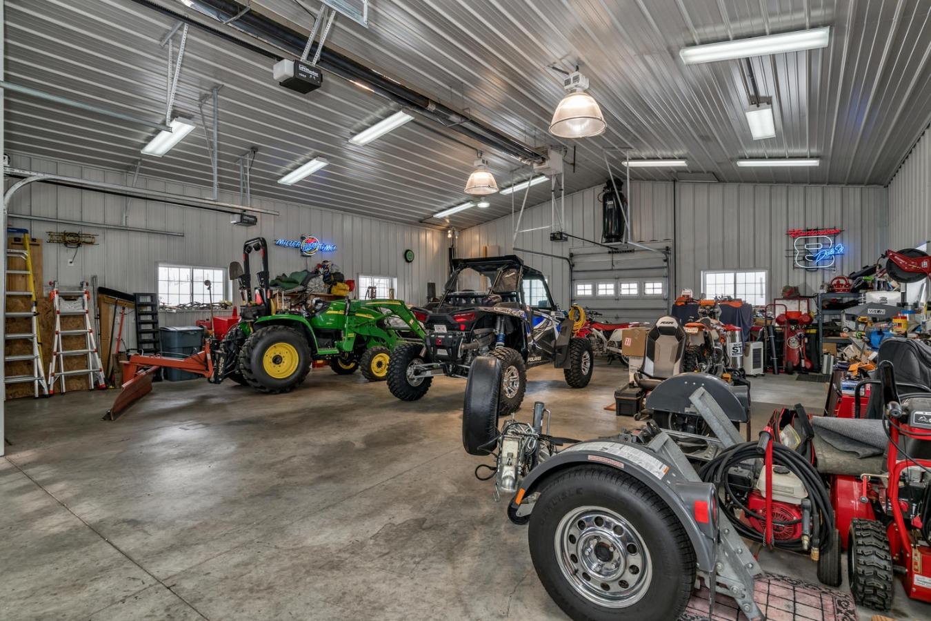 Heated Barn/Workshop is Every Man's Dream