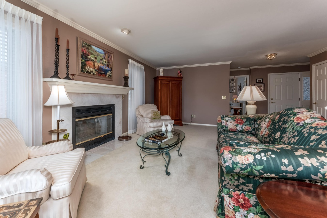 Gas Fireplace & Crown Molding in Large Living Room