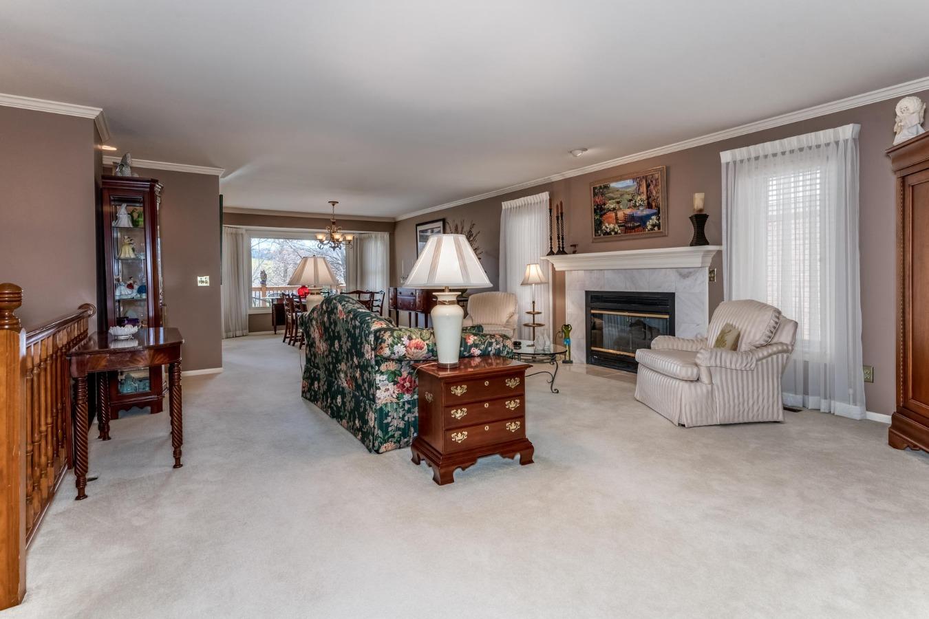 Large Elegant Home Loaded with Updates/Remodeled