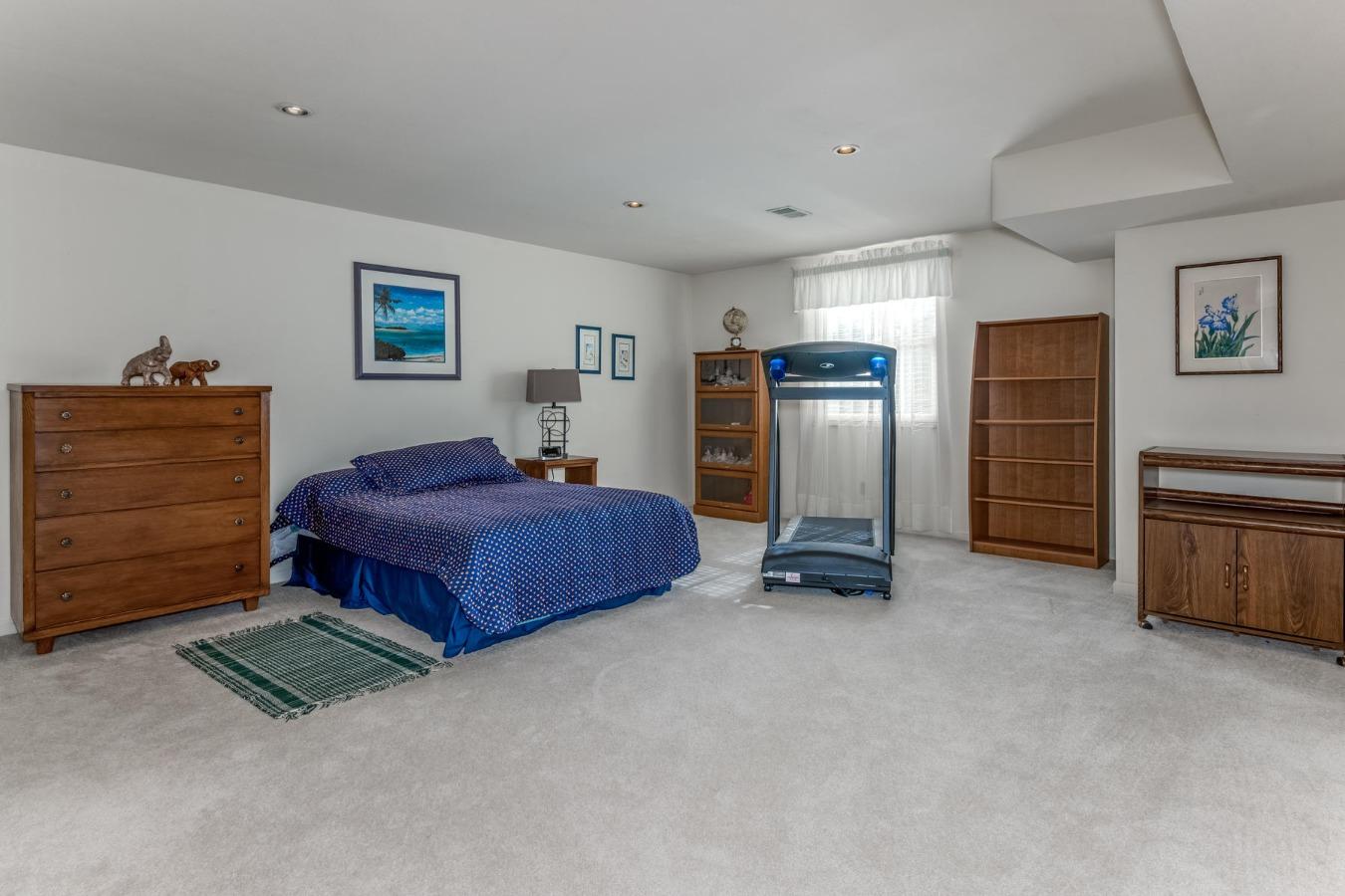 Huge 3rd Bedroom/Flex Space with 2 Walk-in Closets