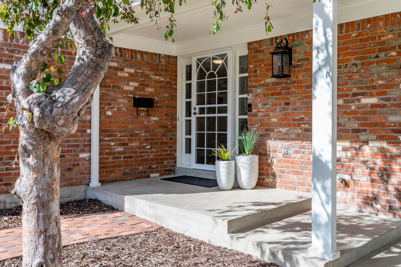 Come On In to See All Of This Great Home!