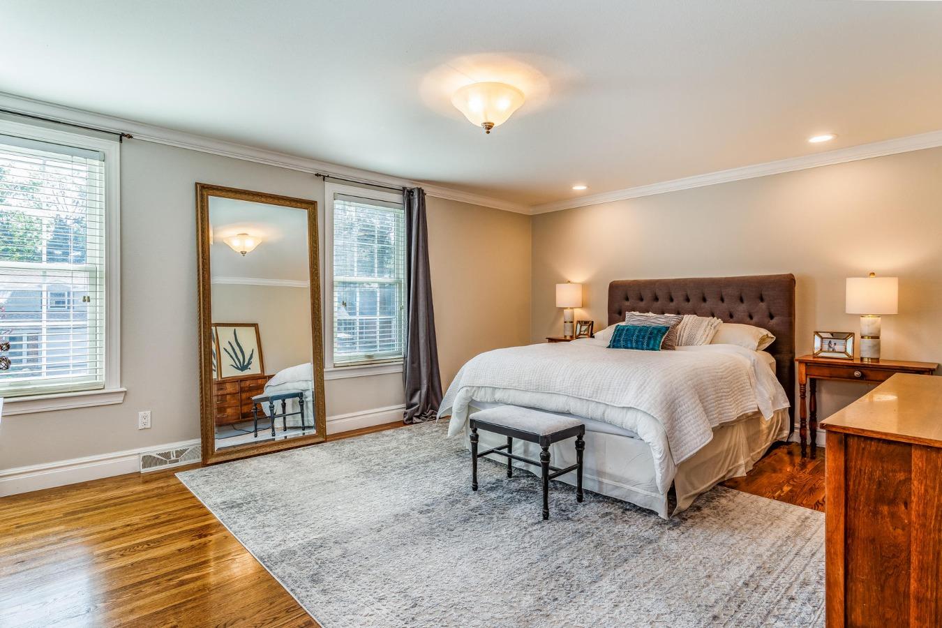 Huge Master Suite with Walk-in Closet