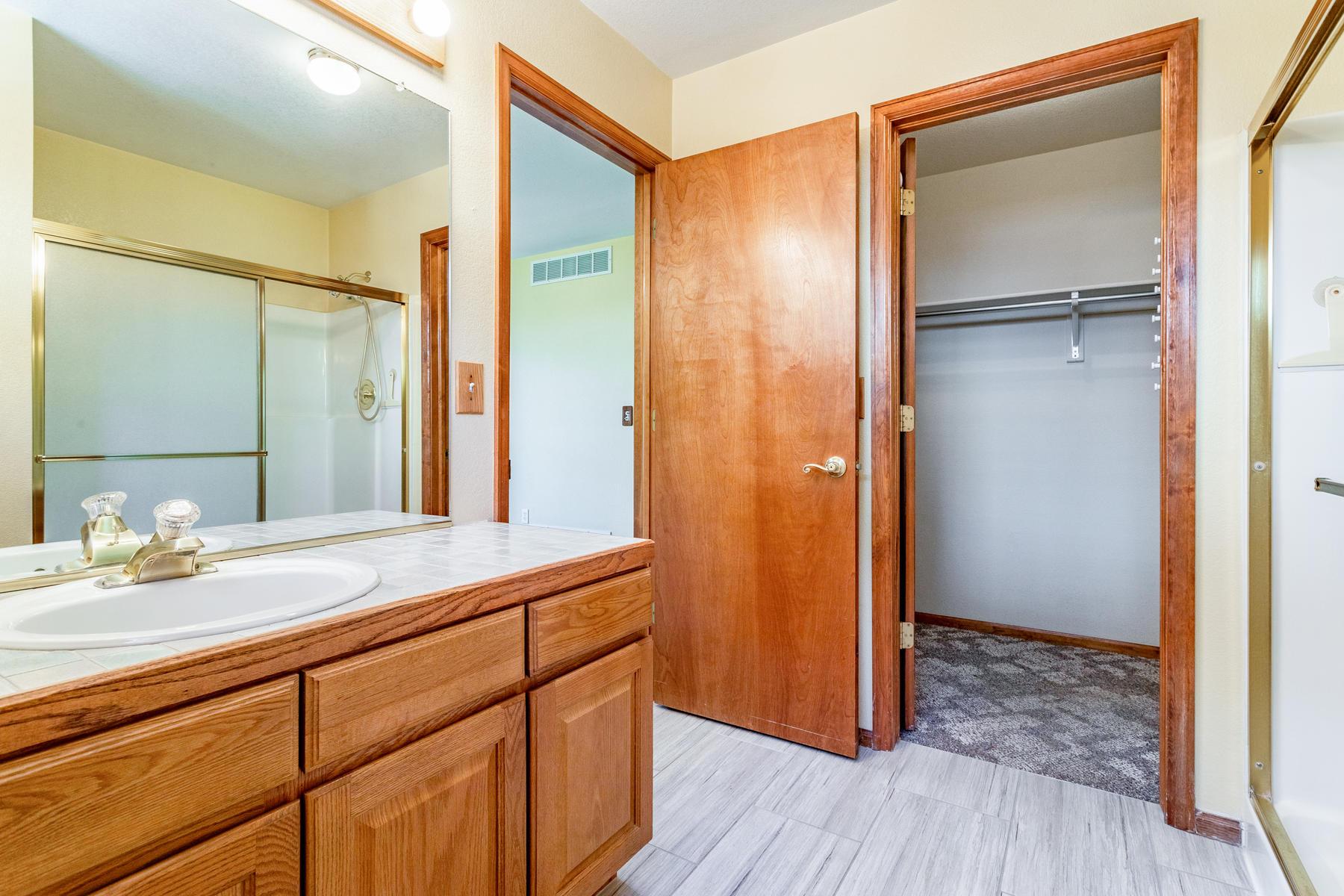 Walk-in Closet Off Master Bath