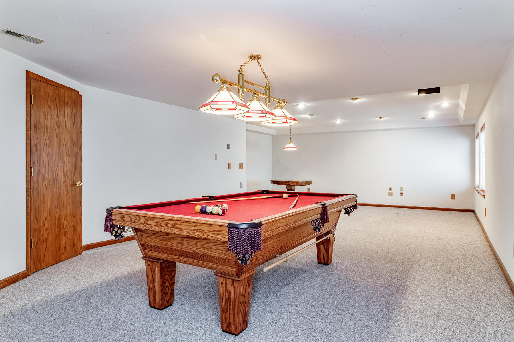 Full Finished Basement for Expanded Living Space