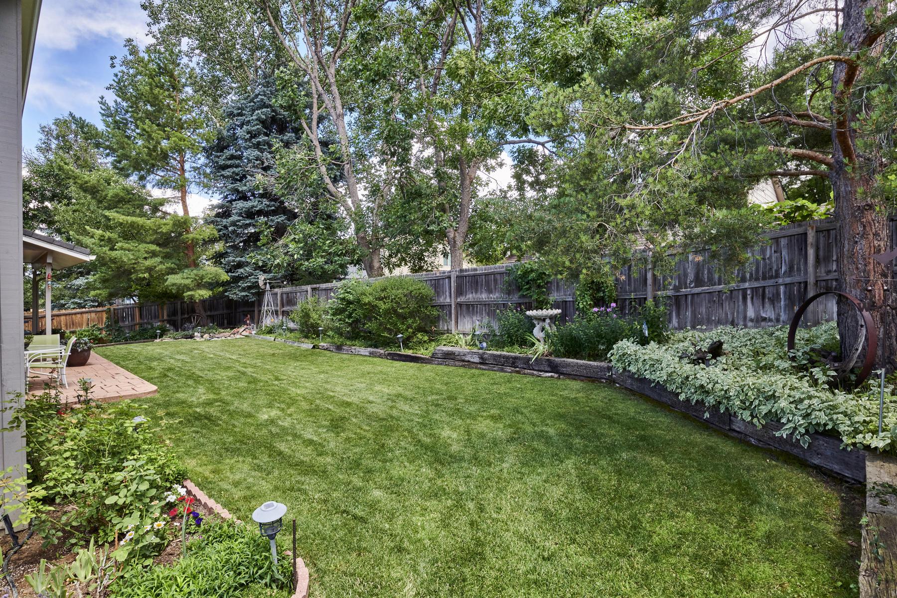Great Garden Beds Around Private Yard