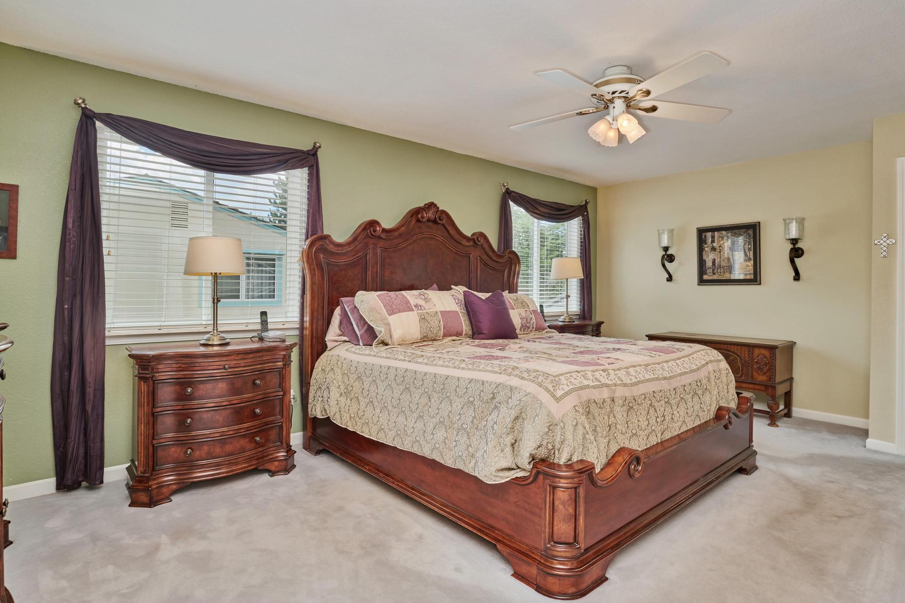 Huge Master Suite & Retreat Upstairs