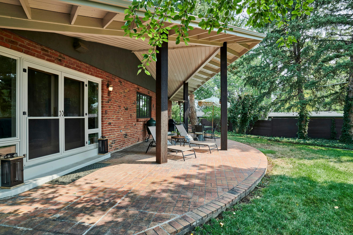 Privacy Abounds at Brick Paver Patio