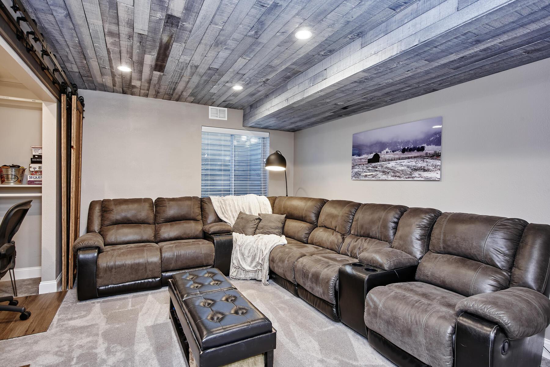 Rec Room or Optional Large 3rd Bedroom