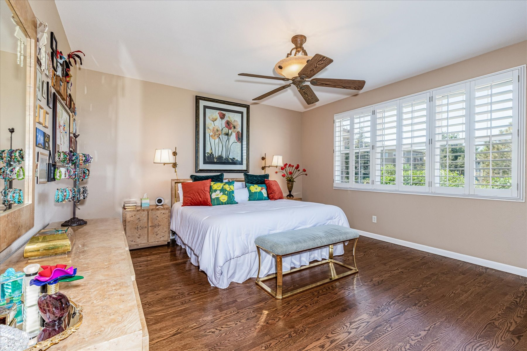 Huge Main Floor Master Suite with Gorgeous Views