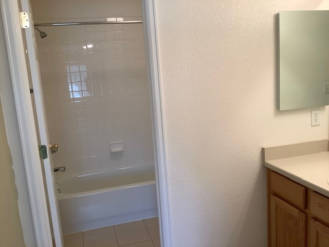 En-suite Bath in Secondary Bedroom Upstairs