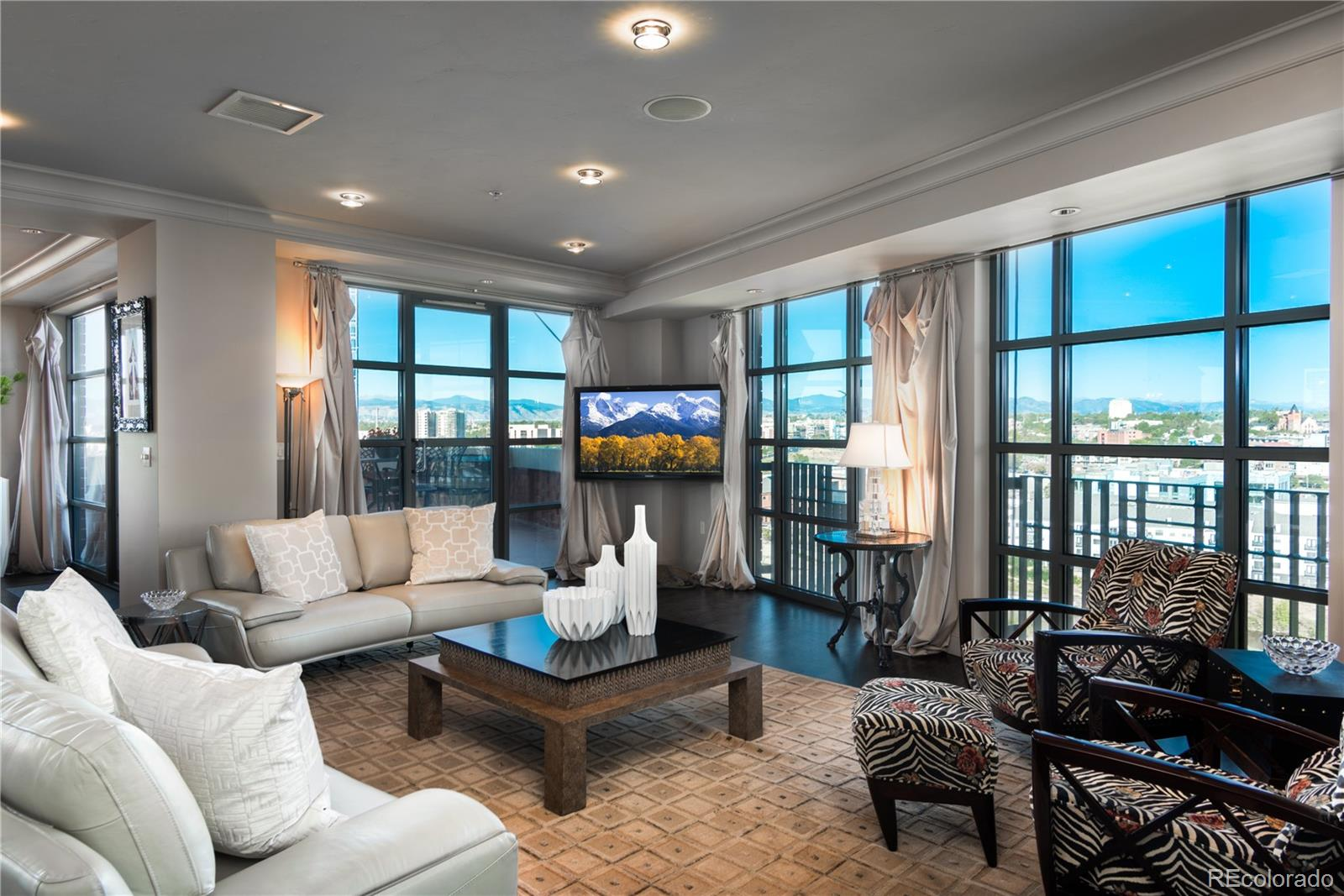 Located in Riverfront Park - One of downtown Denver's most sought after areas.