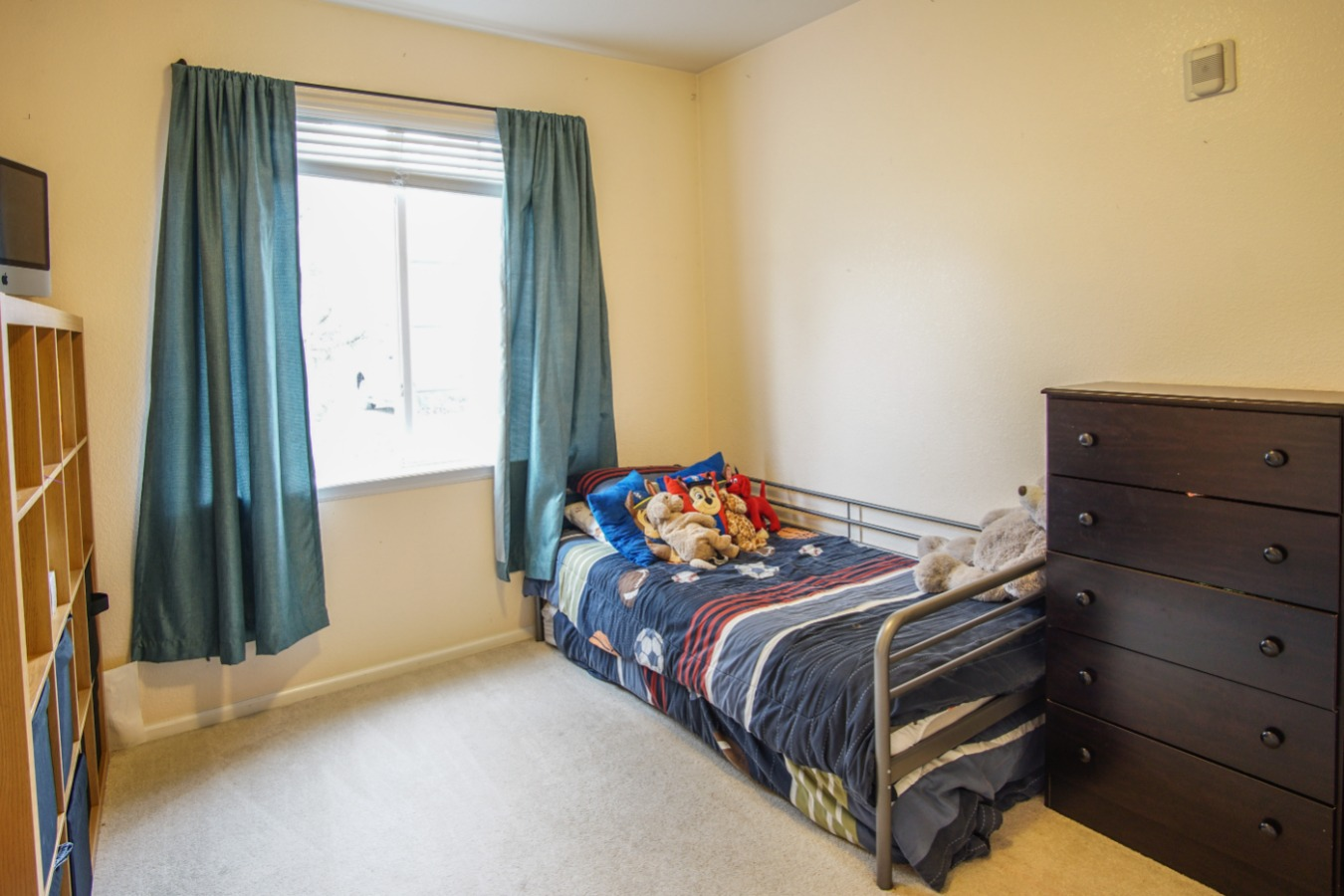 2nd bedroom with lots of natural light
