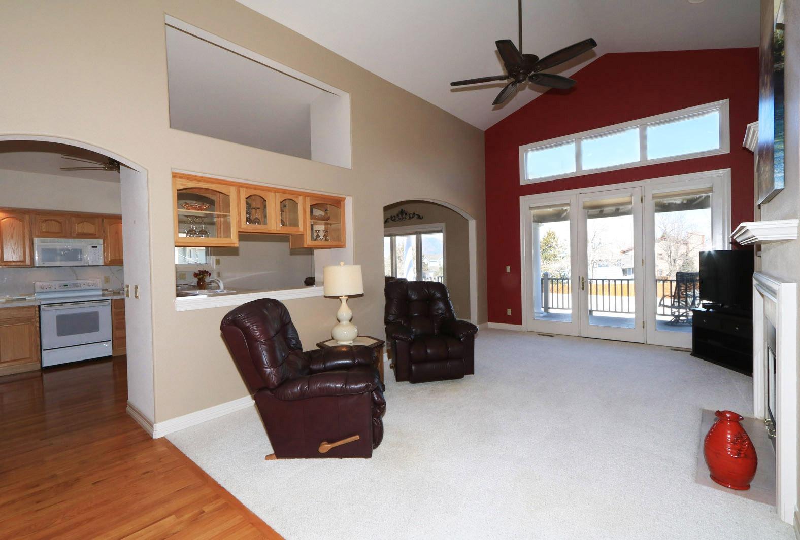 Living Room 19' X 14'
