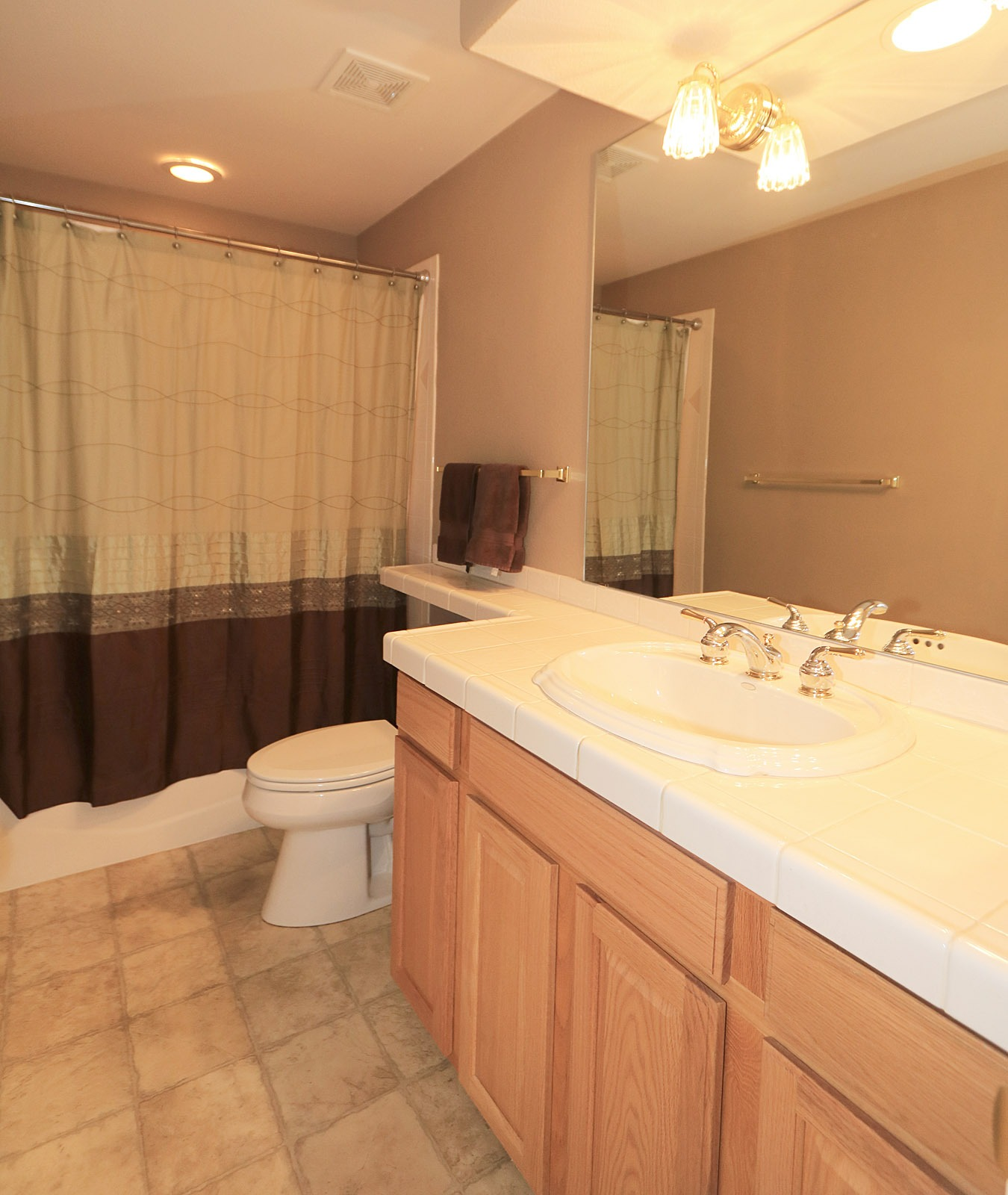Main floor full bath