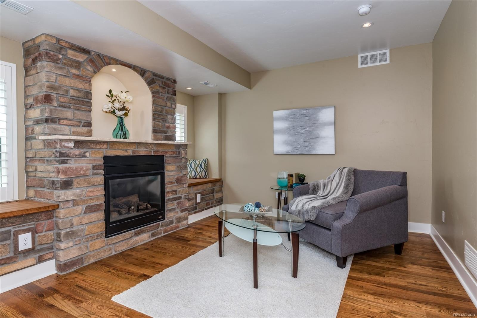 SITTING/READING AREA WITH REMOTE CONTROL GAS FIREPLACE IN THE MASTER BEDROOM!