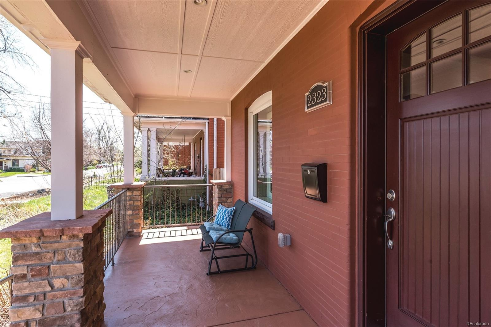 ENJOY CITY PARK GOLF COURSE VIEW FROM YOUR FRONT PORCH!