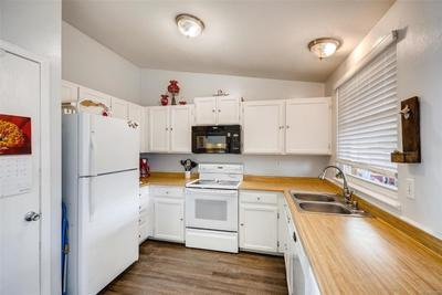 KITCHEN APPLIANCES ARE INCLUDED!