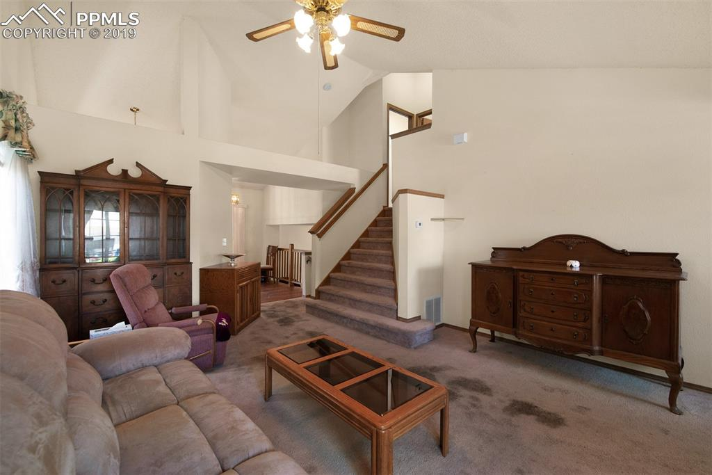 Vaulted Ceiling In Living Room
