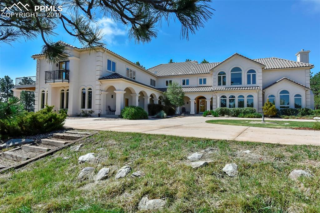6000 Square Feet, Well Appointed, Simply Stunning