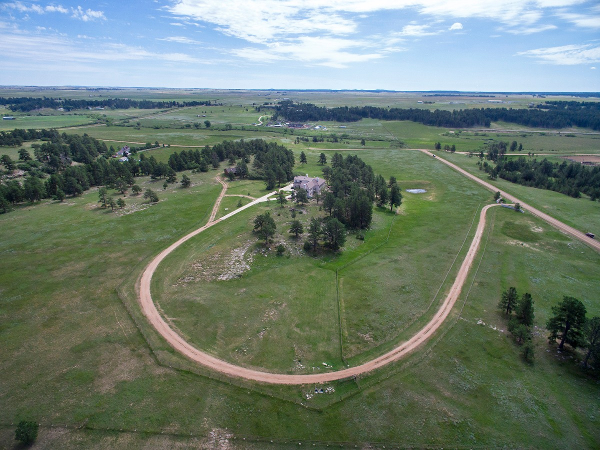Level Lot, Pond, Fully Fenced w/Fenced Pastures