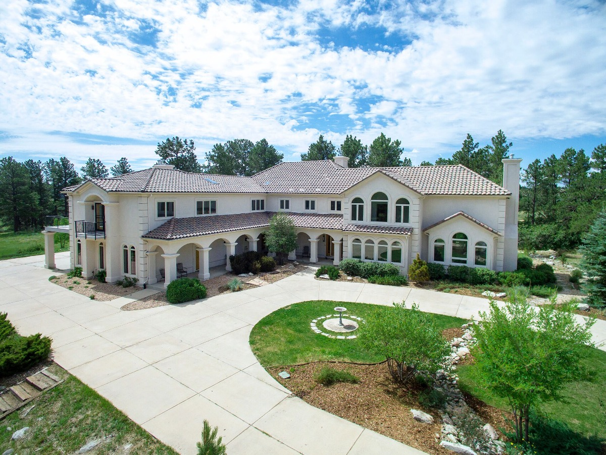Stunning Home, 38 Acres, Barn
