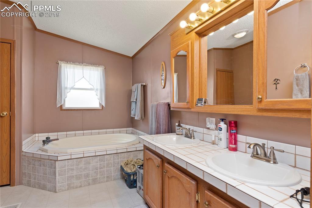 Large 5 piece master bath.
