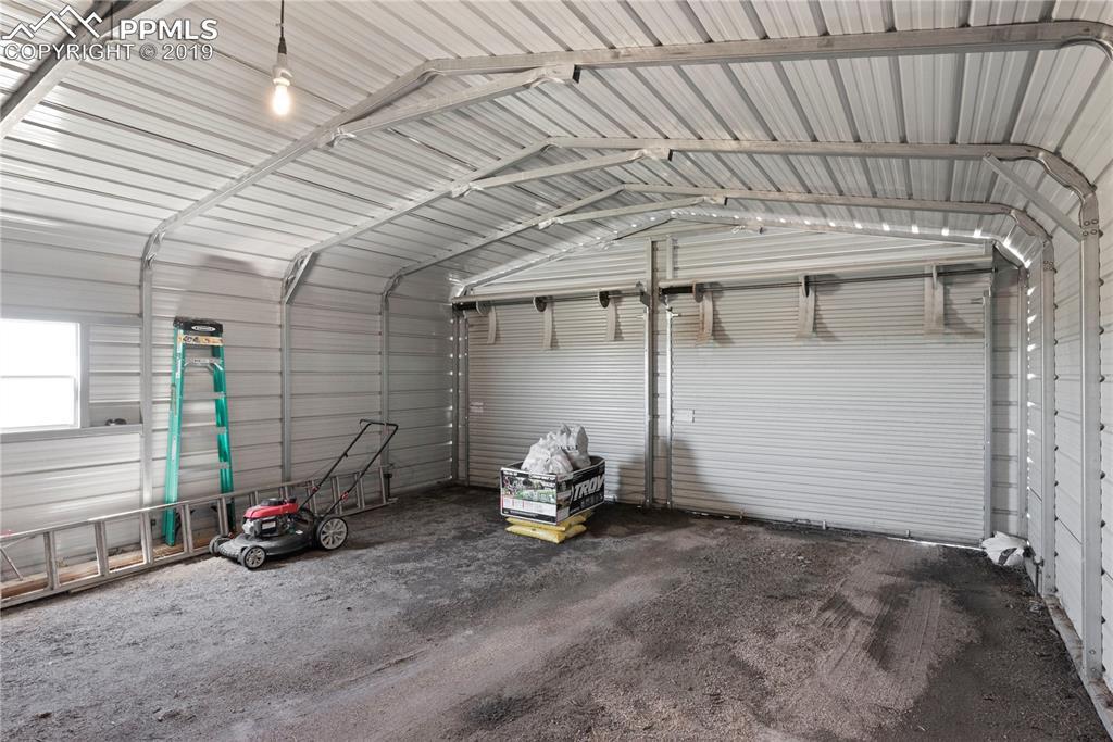 Oversized garage!