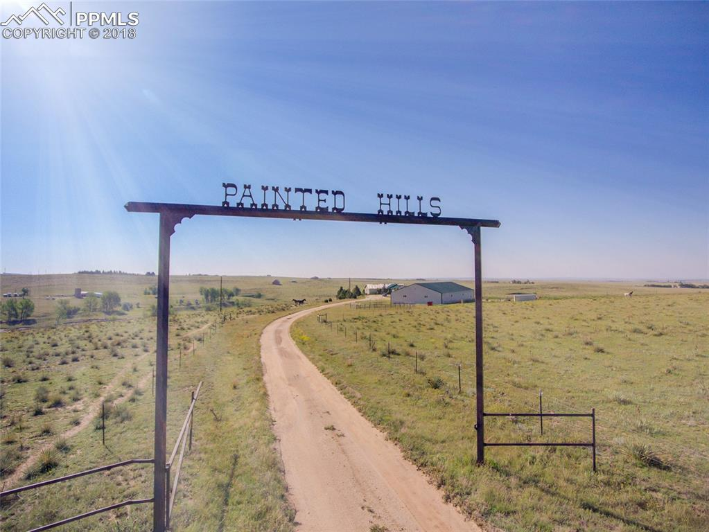 Inviting Ranch Entrance-Picture Your Name!
