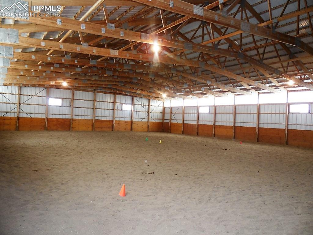 An Arena All Equestrians Would Enjoy~Even Has Windows For Ventilation!
