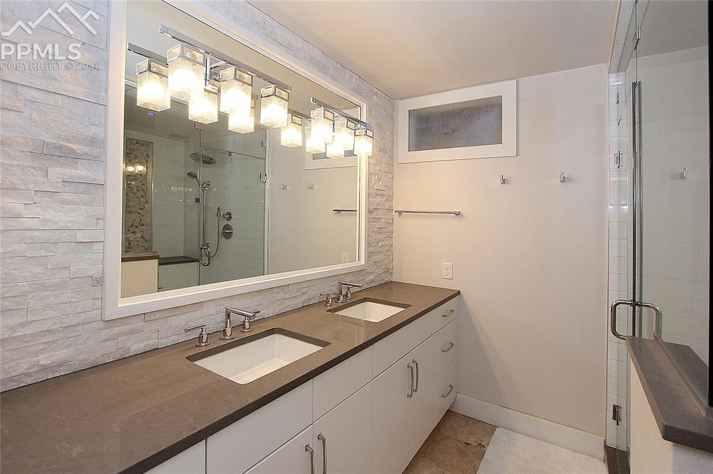 Main Level 3/4 Bathroom