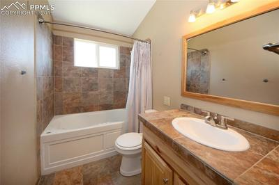 Full bathroom upper level