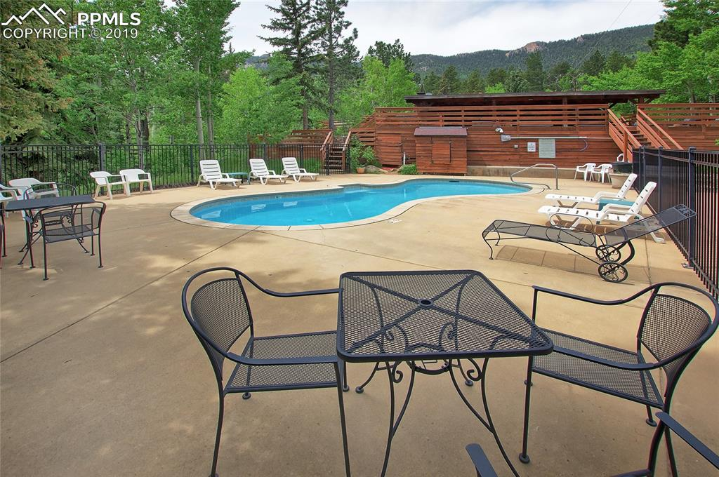 Community Pool that is heated to 92-94 degrees from Memorial Day through Labor Day!!!