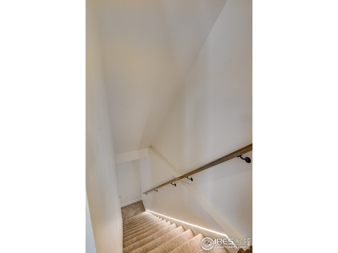 Basement staircase Led lighting