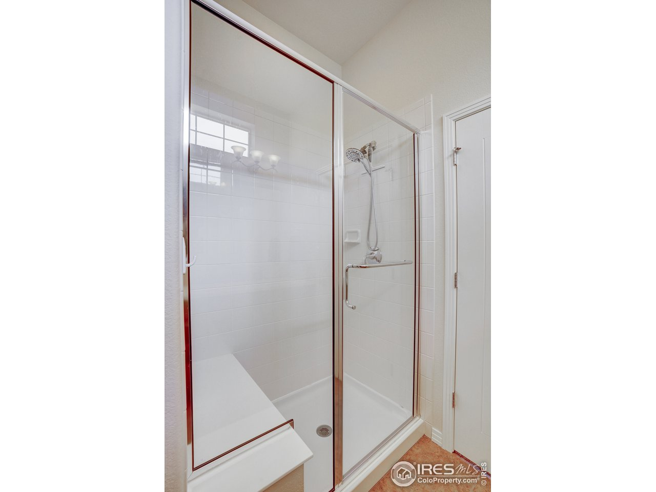 shower has built in seat