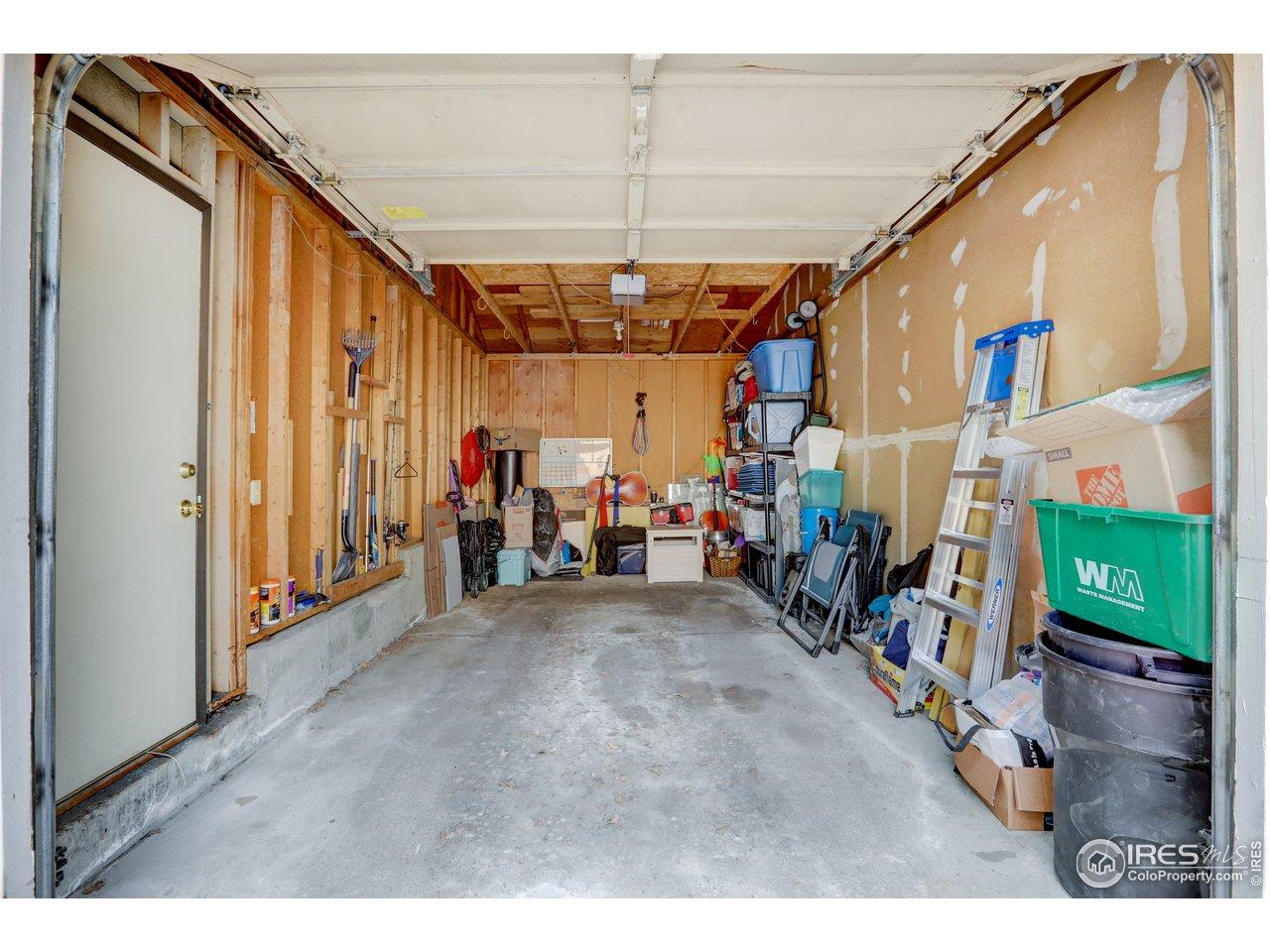 1 car detached  garage