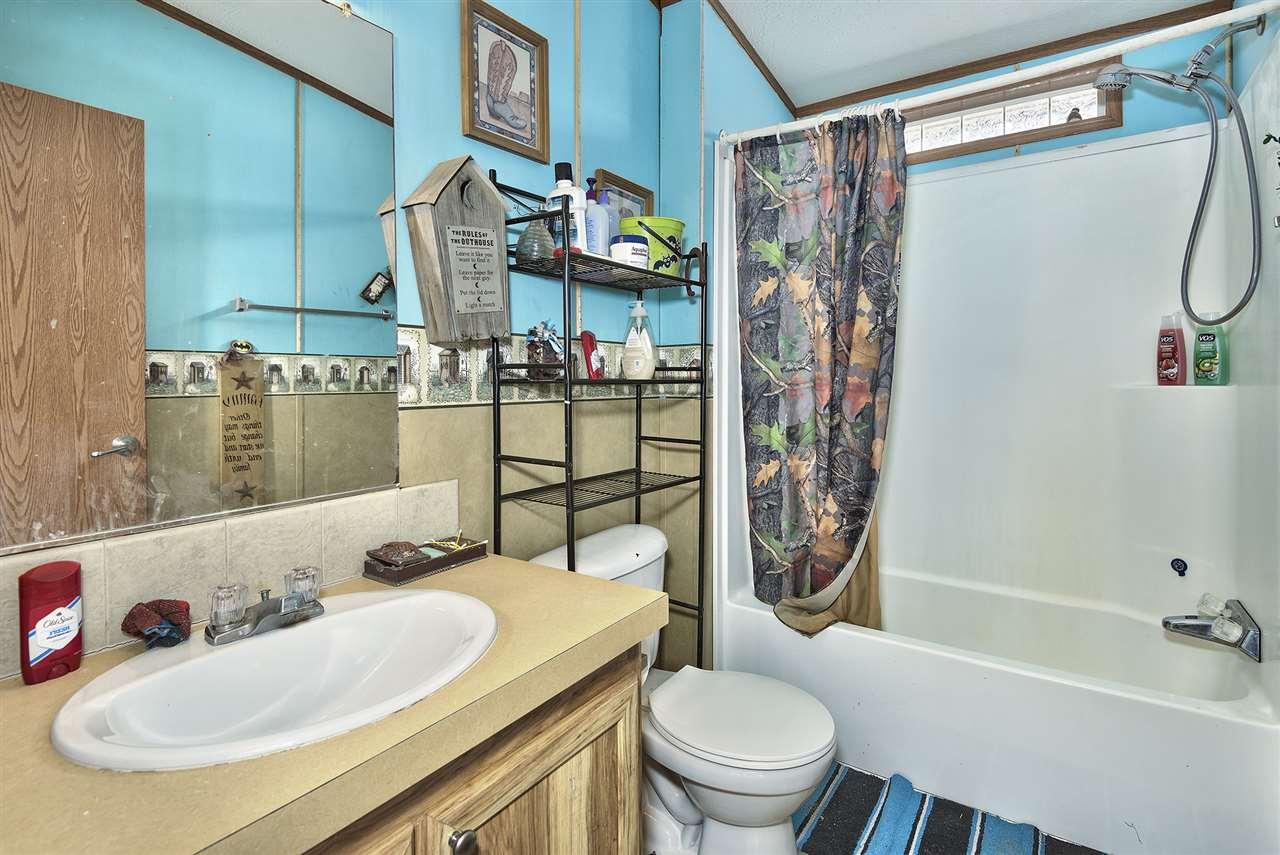 Combination Shower & Tub in Main Bathroom!