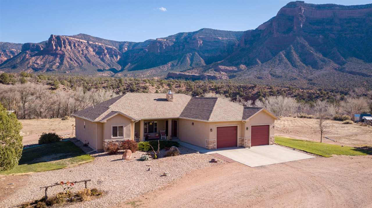 19 Acres Situated in Gateway's Canyon Country!