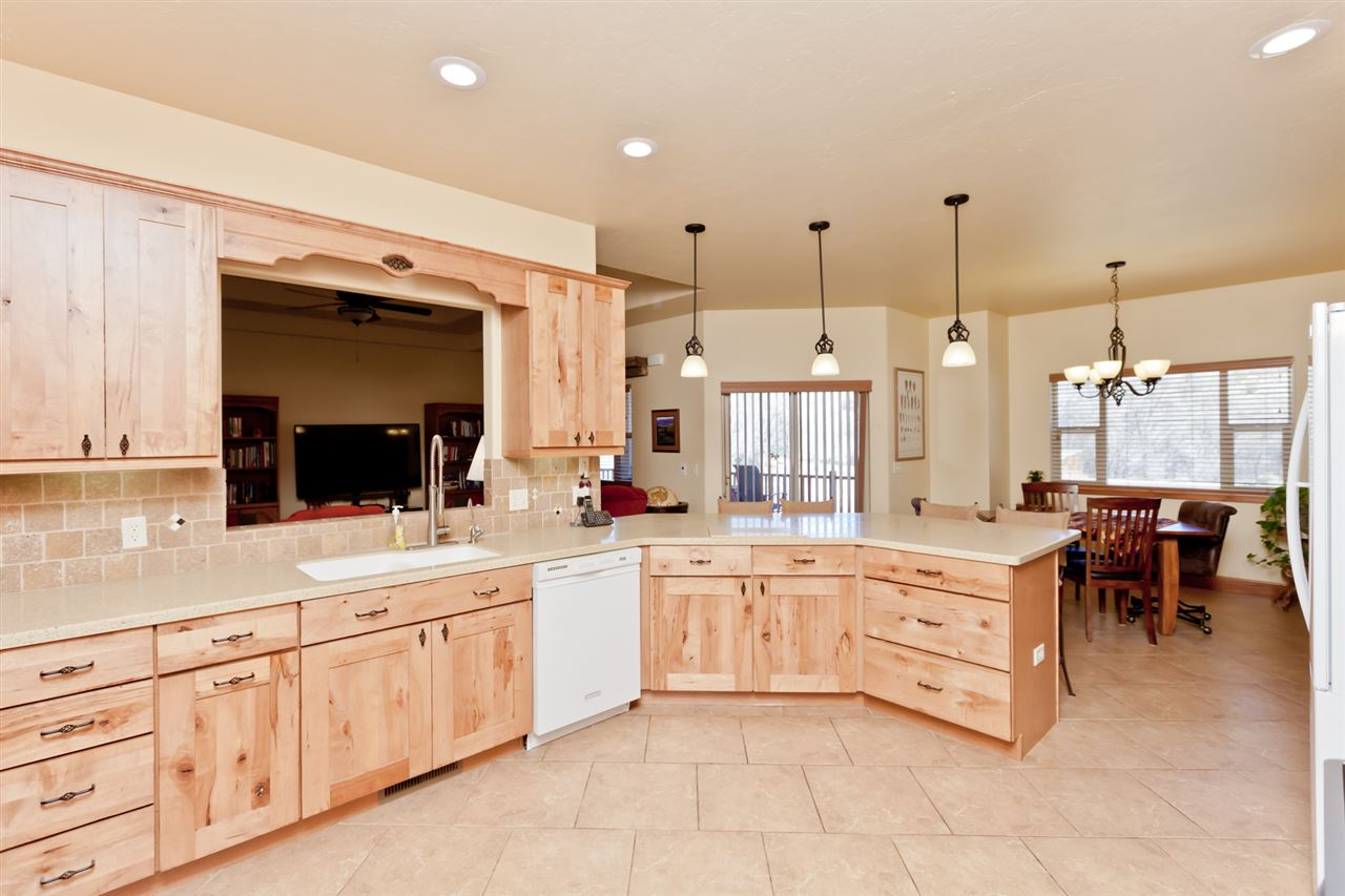 Quality, Custom Hardwood Kitchen Cabinets!