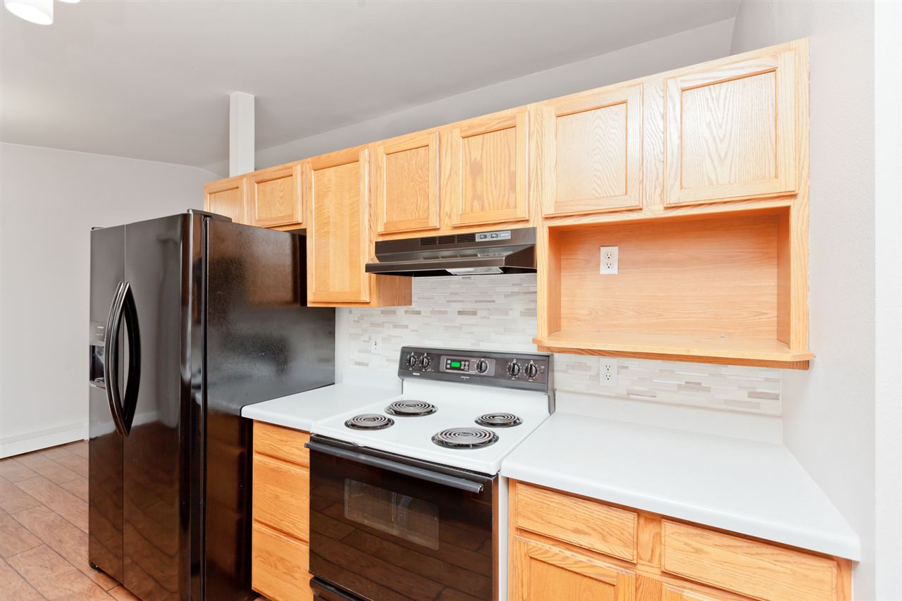 New, Attractive Tile Backsplashes in the Kitchen!