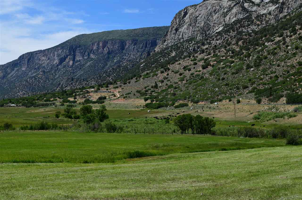 Parcels back to Bear Canyon & borders BLM land!