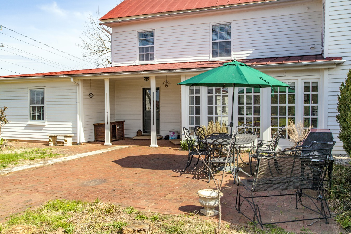 Side brick Patio for outdoor entertaining