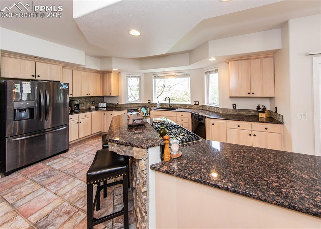 Remodeled kitchen with brand new granite & appliances